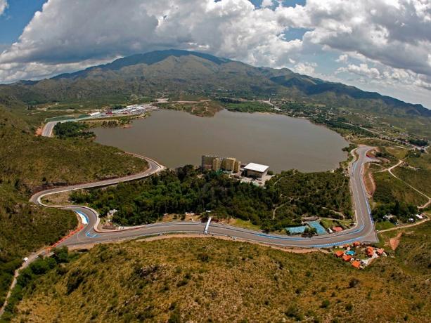 Lago-Potrero-de-los-Funes